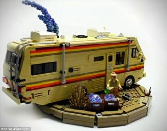 Breaking-Bad-Citizen-Brick-3