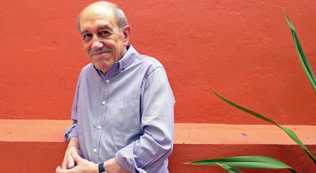 """Entrevista a Néstor García Canclini: """"La cultura digital cambia la lectura y los modos de estudiarla""""."""